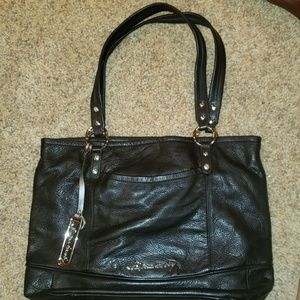 B. Makowsky Black Leather Purse